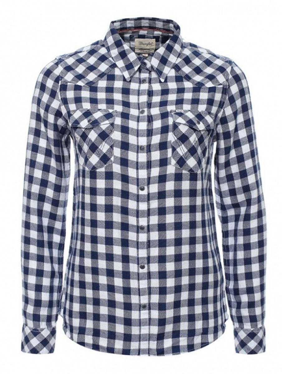 РубашкаW5045CA35Симпатичная женская рубашка Wrangler изготовлена из высококачественного материала. Модная рубашка с длинными рукавами и отложным воротником, застегивается на кнопки по всей длине и пуговицу на воротничке. Спереди модель дополнена двумя накладными карманами с клапанами на кнопках. Оформлена модель принтом в клетку.