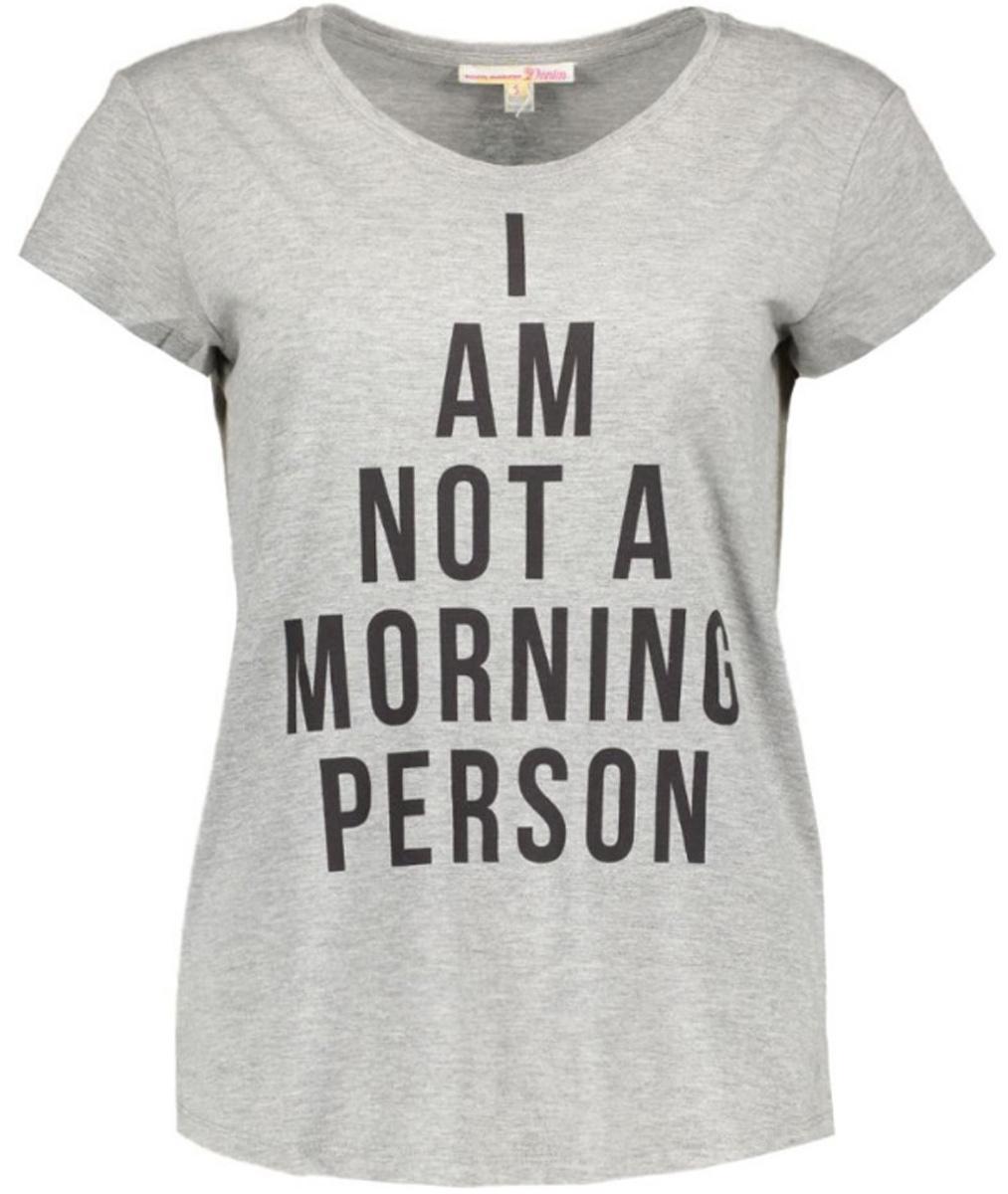1036572.00.71_2707Модная женская футболка Tom Tailor Denim изготовлена из натурального хлопка. Модель с круглым вырезом горловины и короткими рукавами оформлена спереди буквенным принтом.