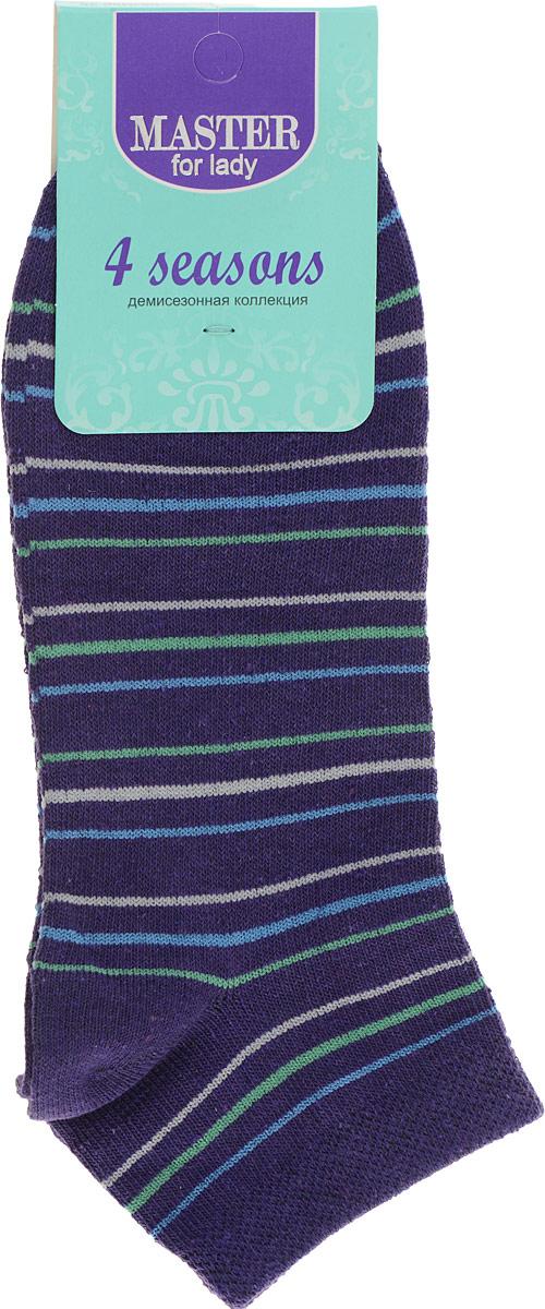 55103Удобные носки Master Socks, изготовленные из высококачественного комбинированного материала, очень мягкие и приятные на ощупь, позволяют коже дышать. Эластичная резинка плотно облегает ногу, не сдавливая ее, обеспечивая комфорт и удобство. Носки с укороченным паголенком и полупрозрачными полосками на верхней части носка. Модель оформлена принтом в полоску. Удобные и комфортные носки великолепно подойдут к любой вашей обуви.