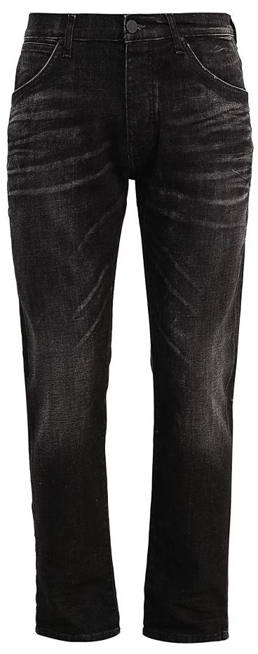 ДжинсыW16ENK88OСтильные мужские джинсы Wrangler изготовлены из хлопка с добавлением эластана. Джинсы на талии застегиваются на металлические пуговицы. Спереди модель дополнена двумя втачными карманами и одним небольшим накладным кармашком, а сзади - двумя большими накладными карманами. Джинсы оформлены небольшими потертостями.