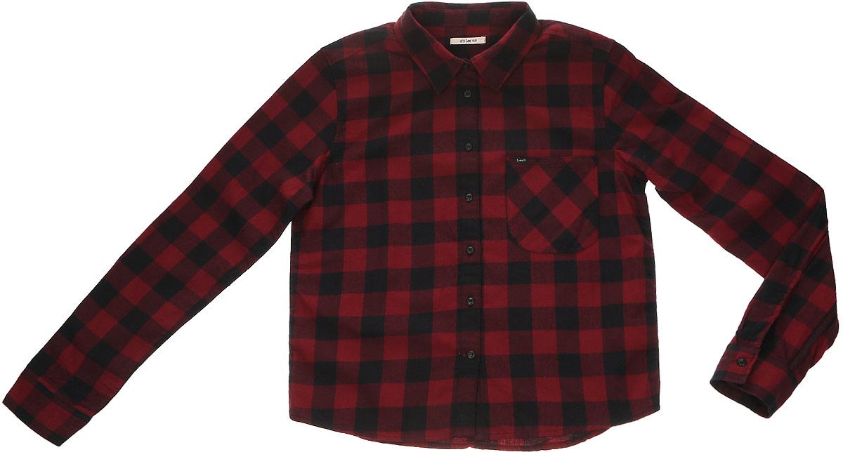 РубашкаL46VCB01Женская рубашка Lee выполнена из натурального хлопка. Рубашка с длинными рукавами и отложным воротником застегивается на пуговицы спереди. Манжеты рукавов также застегиваются на пуговицы. Рубашка оформлена принтом в клетку. Модель дополнена накладным нагрудным карманом.