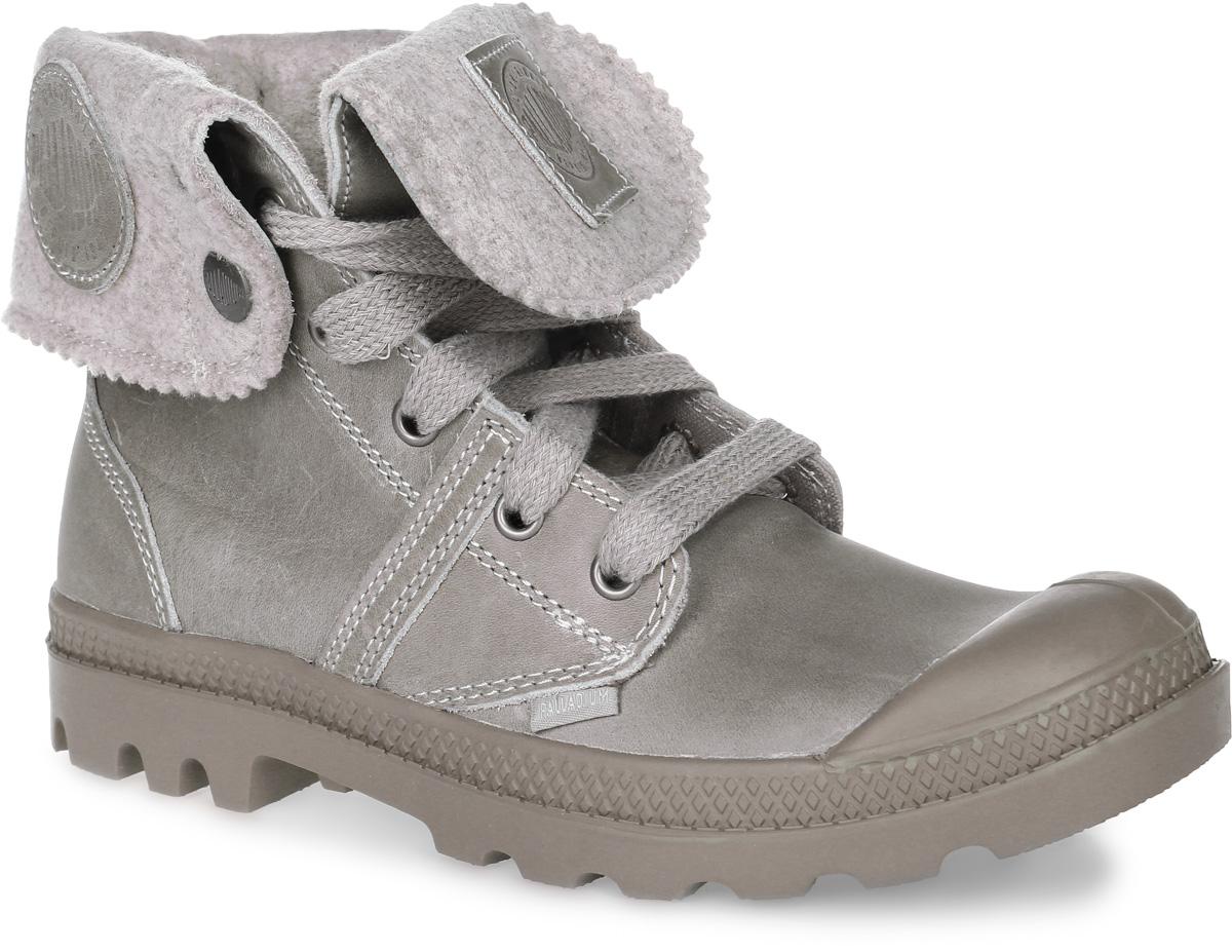 93471-120Высокие женские ботинки Pallabrouse BGY Plus 2 от Palladium выполнены из натуральной кожи с декоративной отстрочкой. На боковой вставке и на подошве расположен логотип бренда Palladium. Уплотненный задник и функциональная шнуровка модели позволяют правильно зафиксировать ботинки на ноге. Текстильная стелька придаст высочайший уровень комфорта при использовании ботинок. Прочная подошва из вулканизированной резины обеспечит удобство и уверенность при ходьбе.