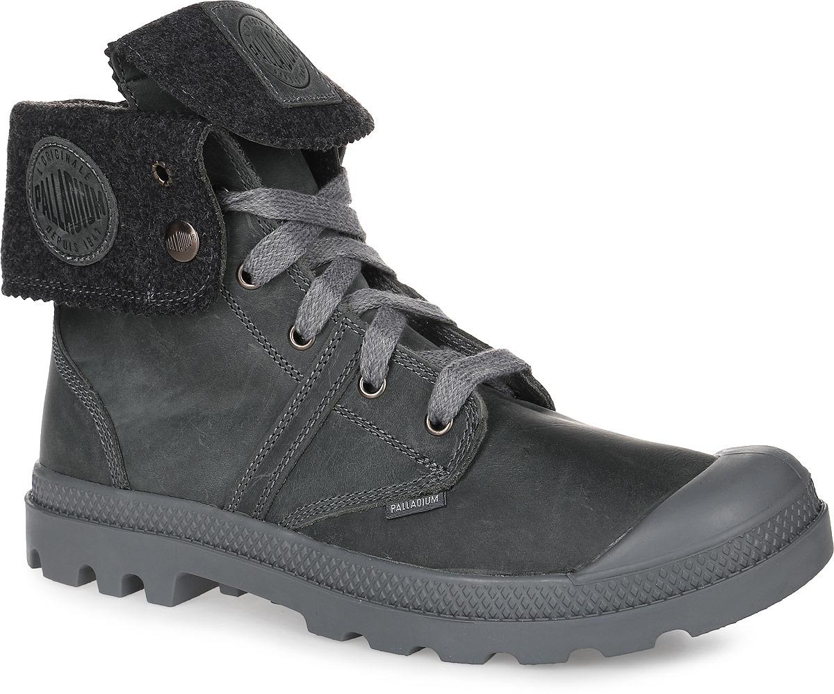 03471-089Высокие ботинки Palladium Pallabrouse BGY Plus 2 выполнены из плотной кожи с декоративной отстрочкой. Прочная шнуровка надежно зафиксирует ботинки на ноге. Резиновый каркас носка защищает стопу от ударов. Мягкая стелька с текстильной поверхностью обеспечивает максимальный комфорт при ходьбе. Подошва выполнена из вулканизированной резины с крупным протектором, который убережет от скольжения и придаст уверенность при ходьбе.
