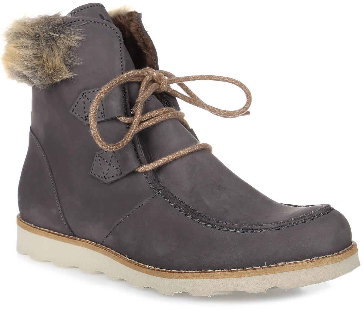 ARIANA-O7141Трендовые женские ботинки Ariana от TBS - модель для ценителей современной качественной обуви! Модель выполнена из натурального нубука и на голенище дополнена искусственным мехом. Мысок прострочен. Внутренняя поверхность и стелька из кожи обеспечат комфорт и уют вашим ногам. Прочная резиновая подошва гарантирует длительную носку и сцепление с любой поверхностью. Оригинальная шнуровка надежно фиксирует обувь на ноге.