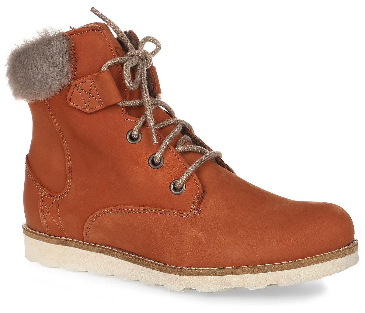 ANAICK-D7079Трендовые женские ботинки Anaick от TBS - модель для ценителей современной качественной обуви! Модель выполнена из натурального нубука и на голенище дополнена искусственным мехом. Внутренняя поверхность и стелька из кожи обеспечат комфорт и уют вашим ногам. Прочная резиновая подошва гарантирует длительную носку и сцепление с любой поверхностью. Классическая шнуровка надежно фиксирует обувь на ноге.