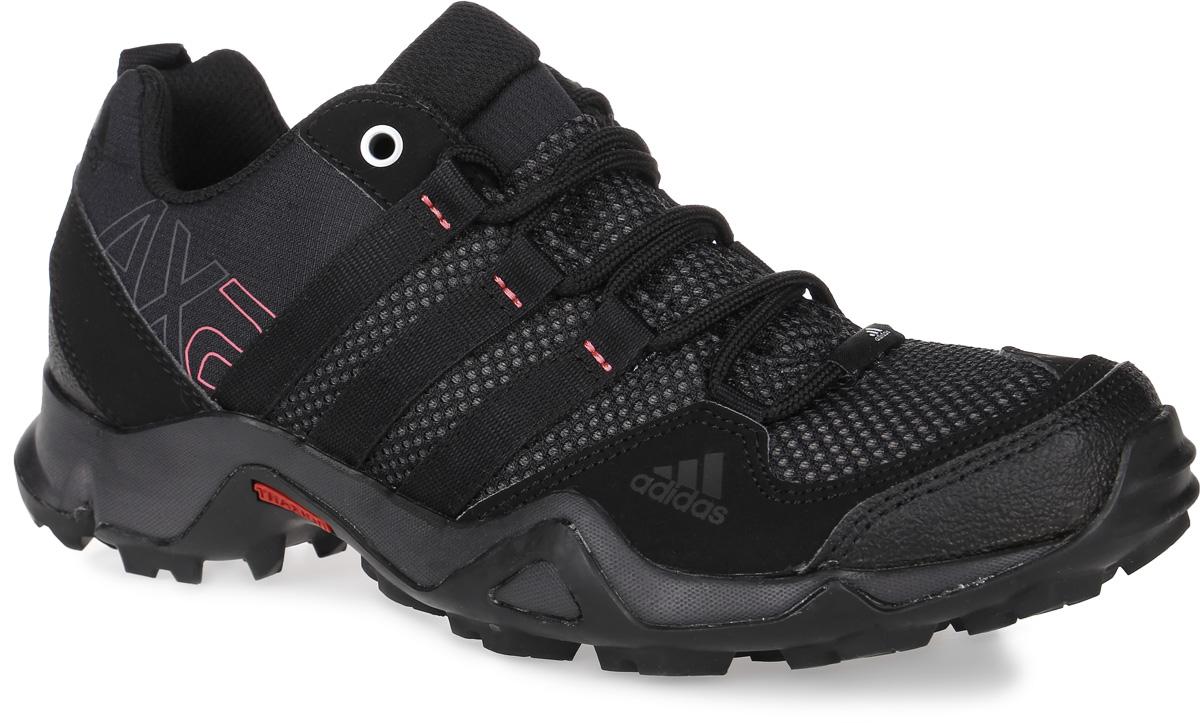 D67192Мужские кроссовки AX2 от adidas - универсальная трекинговая обувь для простых пеших маршрутов и повседневной носки. Надежный гибкий верх выполнен из сетки и синтетики и дополнен бамперами на мыске и на пятке для дополнительной защиты стопы. Цепкая подошва с тракторным профилем Traxion поможет сохранить уверенность даже на скользких покрытиях. Удобная текстильная подкладка и литая анатомическая стелька с антимикробным покрытием обеспечивают наибольший комфорт. Классическая шнуровка надежно зафиксирует модель на ноге.