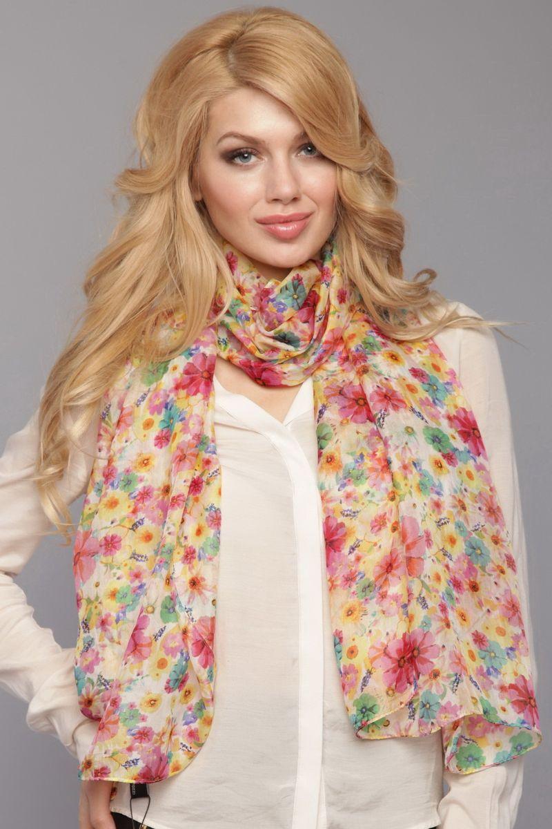 ШарфSK-0002-1Стильный женский шарф Fiona Fantozzi станет великолепным завершением любого наряда. Шарф изготовлен из натурального шелка и оформлен цветочным принтом. Изящный шарф поможет вам создать изысканный женственный образ, а также согреет в непогоду.
