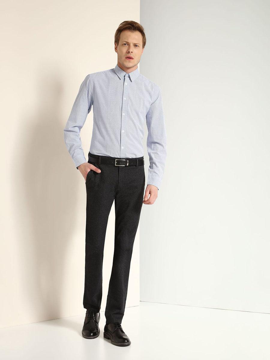 РубашкаSKL2157NIМужская рубашка Top Secret выполнена из натурального хлопка. Модель классического кроя с длинными рукавами и отложным воротником застегивается на пуговицы по всей длине. Манжеты рукавов оснащены застежками-пуговицами. Рубашка оформлена оригинальным принтом.