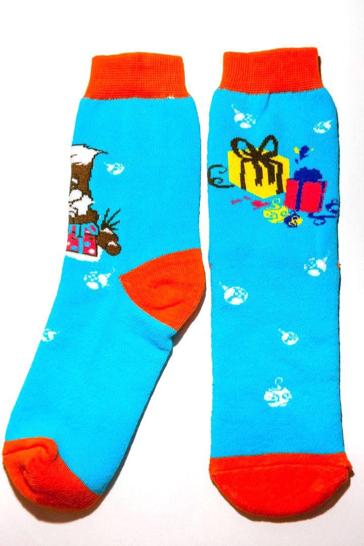 w4821Носки Big Bang Socks Белочка и подарки изготовлены из высококачественного эластичного хлопка с добавлением полиамида. Удлиненные носки имеют эластичную резинку, которая надежно фиксирует носки на ноге. Носки оформлены изображением забавной белочки с подарочной коробкой.