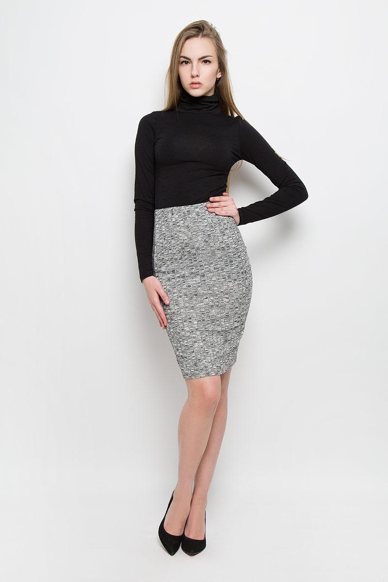 Юбка10156901_833Стильная юбка Broadway Sevi выполнена из вискозы с добавлением полиэстера и эластана. Обтягивающая юбка средней длины имеет эластичный пояс на талии. Задняя часть модели оформлена вырезом.