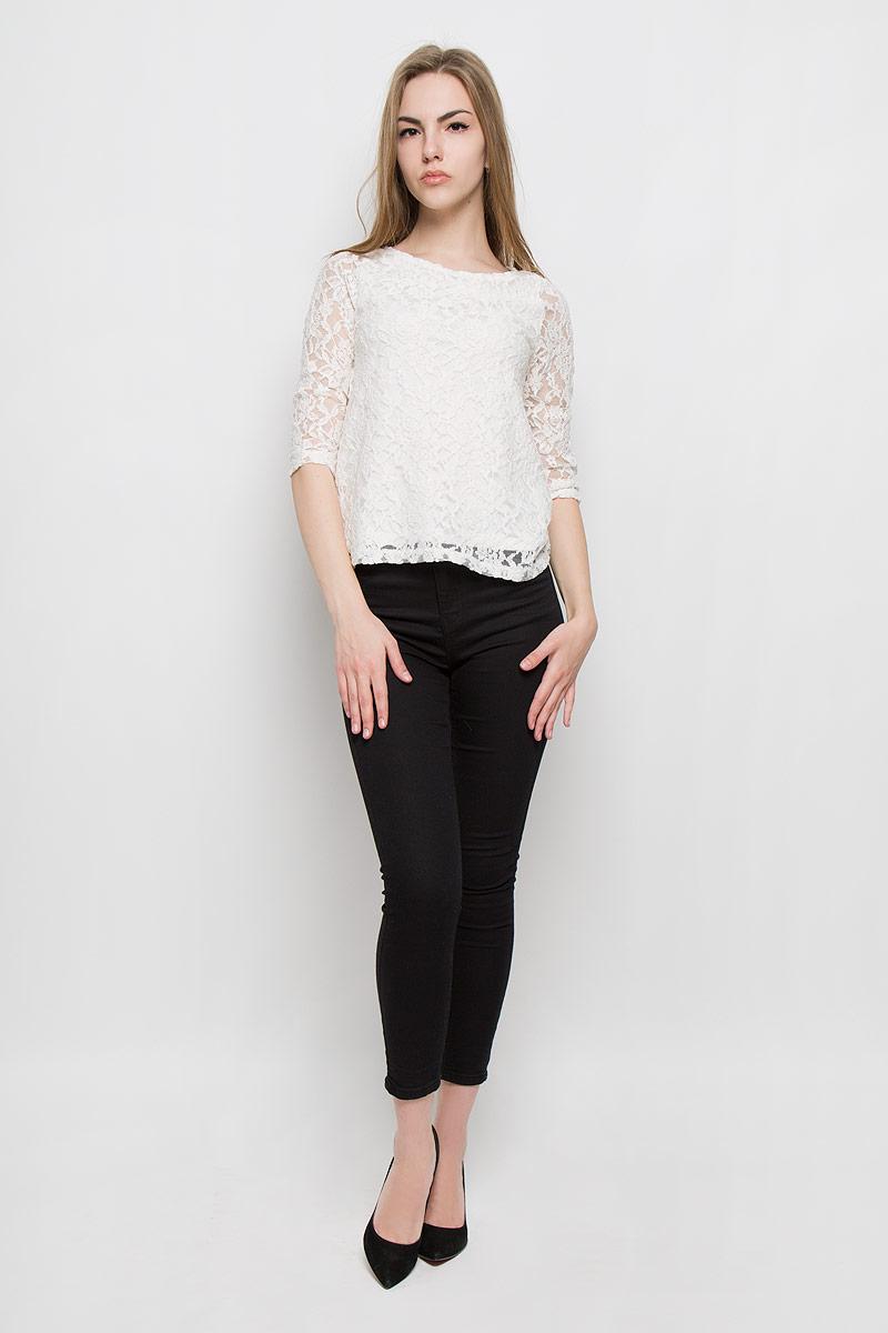 10157002_001Женская блуза Broadway Virgia с рукавами до локтя и круглым вырезом горловины выполнена из хлопка с добавлением полиамида и эластана. Блузка оформлена кружевом с цветочным узором и дополнена непрозрачной подкладкой.