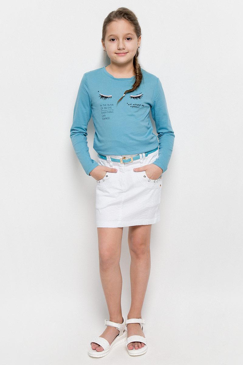 SS162G403-1Стильная джинсовая юбка для девочки Nota Bene идеально подойдет вашей принцессе для отдыха и прогулок. Изготовленная из эластичного хлопка, она необычайно мягкая и приятная на ощупь, не сковывает движения и позволяет коже дышать, не раздражает даже самую нежную и чувствительную кожу ребенка, обеспечивая наибольший комфорт. Юбка-мини на талии застегивается на металлическую пуговицу, также имеются шлевки для ремня и ширинка на застежке-молнии. С внутренней стороны пояс регулируется резинкой на пуговице. Модель спереди дополнена двумя втачными карманами и одним накладным кармашком, а сзади - двумя накладными карманами. Оформлена модель оригинальными клепками. В комплект входит ремень с металлической пряжкой. Современный дизайн и модная расцветка делают эту юбку модным и стильным предметом детского гардероба. В ней ваша модница всегда будет в центре внимания!