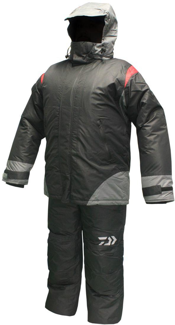 Костюм рыболовный1305RКостюм зимний Daiwa 3 в 1. Комплектация: полукомбинезон, утепляющая куртка второго слоя, верхняя куртка. Полукомбинезон классический с высокой спинкой и нагрудником. Поясные утяжки на липучке для точнойрегулировки размера. Раструб штанин расширенный на молнии для удобства расположения поверх зимней обуви. Два боковых кармана с застежкой влагозащитной молнией. В коленной и ягодичной части установлены смягчеющие и утепляющие вкладыши из вспененных пластин для дополнительной защиты при соприкосновении с холодными поверхностями при ловле с колена и/или длительном сидячем положении. Материал полукомбинезона: Верх - Мембрана 5000/5000. Утеплитель: Холофайбер 200 г/м2. Подкладка: ПЭ 190 г/м2. Утепляющая куртка второго слоя предназначена для использования как дополнительный утепляющий слой. Куртка пристегивается к основной на молнию. Рукава фиксируются специальной стропой с кнопкой. Верхняя ткань куртки простегана с утеплителем, что позволяет не...