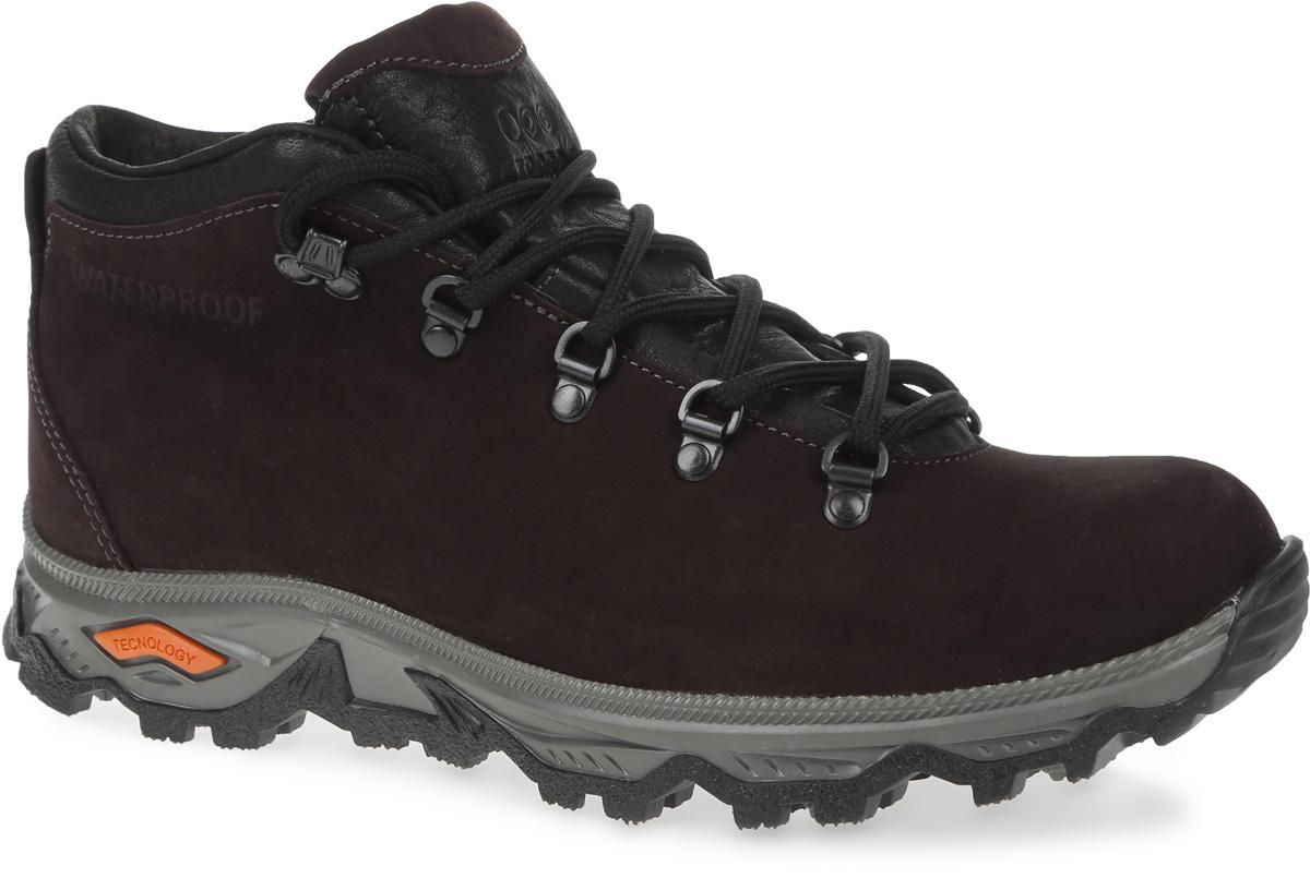 БотинкиC101-17Стильные мужские ботинки Strobbs, выполненные в спортивном стиле, прекрасно подойдут для активного отдыха и повседневной носки. Верх из непромокаемого нубука и подкладка из искусственного меха не дадут ногам замерзнуть. Удобная шнуровка надежно зафиксирует модель на стопе. Резиновая подошва с крупным протектором обеспечит хорошее сцепление с любой поверхностью. В таких ботинках вашим ногам будет тепло и комфортно.
