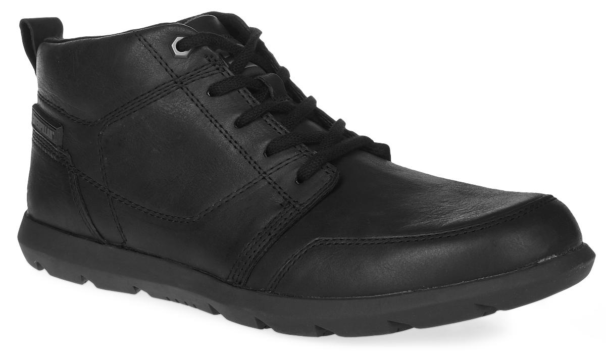 P720328Утепленные мужские ботинки Caterpillar Flase Mid для путешествий и активного отдыха сочетают в себе классический верх и спортивную облегченную подошву, идеальны для городских прогулок. Верх ботинок выполнен из натуральной кожи, а утеплитель - из флиса, что позволяет чувствовать себя комфортно в любую погоду. Антиабразивные компоненты подошвы гарантируют прочность и долгий срок службы без трещин и разрывов. Резиновая подошва обеспечивает высокую степень надежности и сцепление на поверхности. Классическая шнуровка надежно фиксирует обувь на ноге.
