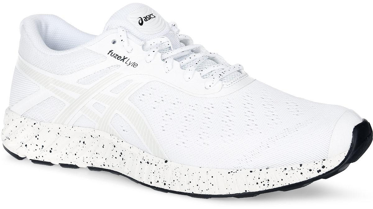 T620Q-0106Мужские кроссовки для бега FuzeX Lyte от Asics предлагают вам высокий уровень защиты и амортизации при малом весе. Модель выполнена из бесшовного сетчатого текстиля со вставками из искусственных материалов. Обувь на одной из боковых сторон декорирована фирменными полосками. Светоотражающий элемент на заднике, выполненный в виде логотипа бренда, создает дополнительную видимость в темное время суток. Подкладка, изготовленная из текстиля, гарантирует уют и предотвращает натирание. Стелька ComforDry из ЭВА с поверхностью из текстиля комфортна при движении. Технология fuzeGEL обеспечивает плавный комфортный бег за счет поглощения ударной нагрузки и продвижения бегуна вперед при отталкивании. Благодаря центральной наружной подошве и опущенной на 8 мм пятке, что ниже, чем у кроссовок для шоссейного бега, вы сможете прочувствовать рельеф поверхности под ногами. Подошва оснащена рифлением для лучшей сцепки с поверхностями. Такие кроссовки займут достойное место среди вашей коллекции спортивной...