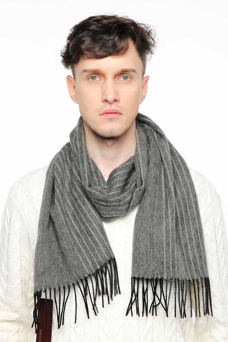 ШарфTH-21507-13Стильный шарф Paccia согреет вас в прохладную погоду и станет отличным завершением вашего образа. Шарф изготовлен из натуральной шерсти, а по краям дополнен кистями бахромы. Материал мягкий и приятный на ощупь, хорошо драпируется. Этот модный аксессуар гармонично дополнит любой наряд и подчеркнет ваш изысканный вкус.