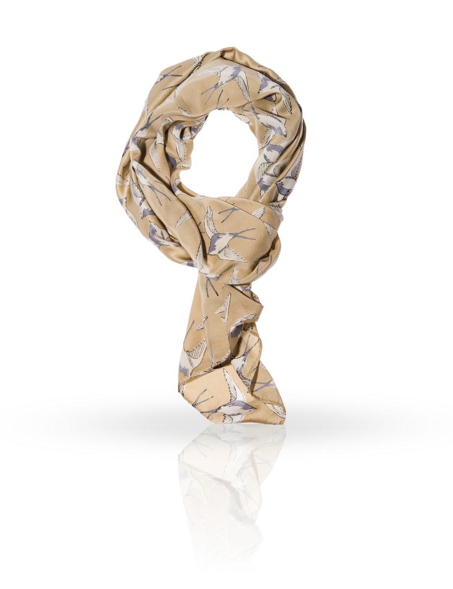 SS-DOVEЭлегантный шелковый платок Michel Katana станет изысканным нарядным аксессуаром, который призван подчеркнуть индивидуальность и очарование женщины.
