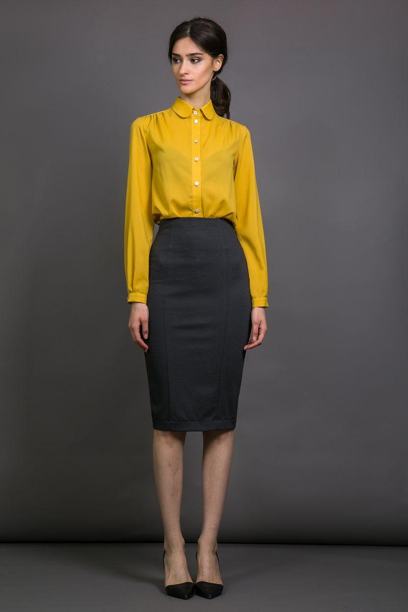 Юбка90559Элегантная силуэтная женская юбка-карандаш La Via Estelar с завышенной талией имеет сзади декоративный разрез. За счет длины миди и стилизации отлично подойдет как для делового, так и для официального стиля. Благодаря большому количеству выкроек, идеально садится по фигуре.