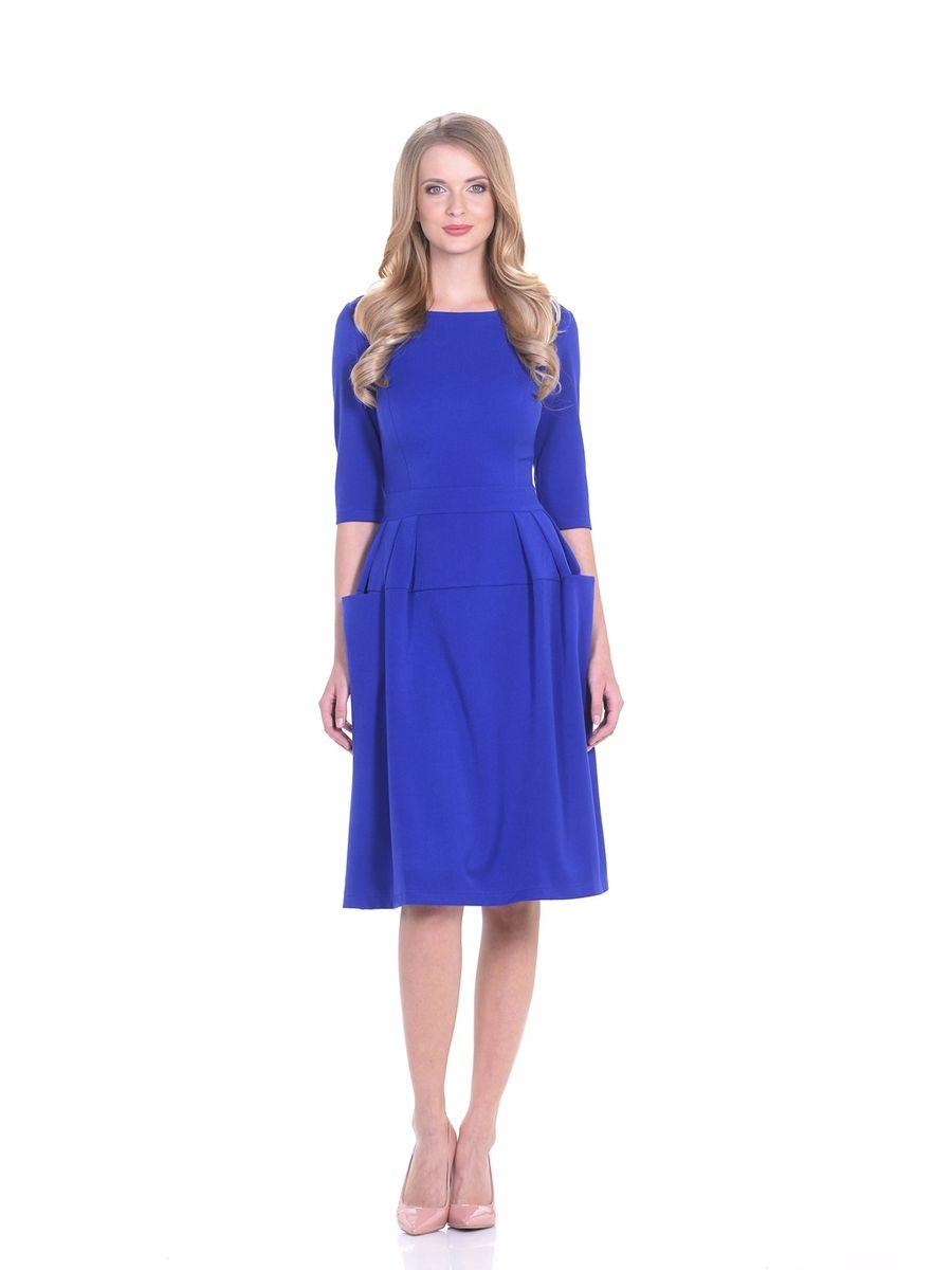14667-4Обворожительное однотонное платье La Via Estelar выполнено из высококачественного комбинированного материала. Модель отрезная по линии талии, с втачным поясом, фантазийной юбкой с симметричными сборками и функциональными объемными карманами. Роскошный фасон платья поможет создать эффектный женственный образ.