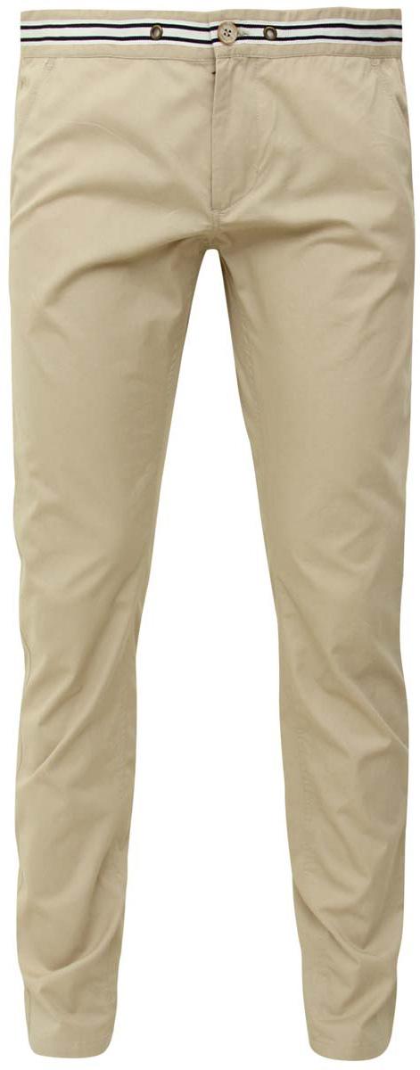 Брюки2S100024M/25153N/3379BСтильные мужские брюки oodji Selection выполнены из натурального хлопка. Модель прямого кроя и стандартной посадки застегивается на пуговицу в поясе и ширинку на застежке-молнии. Пояс оформлен декоративной тесьмой с контрастными полосками. Спереди брюки дополнены двумя втачными карманами, сзади - двумя прорезными карманами на пуговицах.