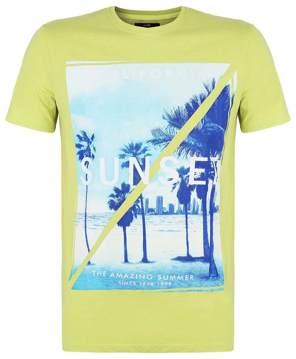 Футболка5L611290M/44135N/4375PМужская футболка oodji изготовлена из высококачественного натурального хлопка. Модель с короткими рукавами и круглым вырезом горловины оформлена принтом с изображением города у моря и надписями на английском языке.