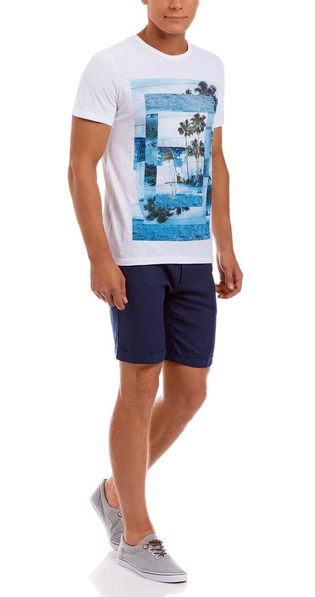 Футболка5L611278M/44164N/1079PМужская футболка oodji изготовлена из натурального высококачественного хлопка. Выполнена с круглым воротом и классическими короткими рукавами. Оформлена абстрактным принтом с изображением пляжа.
