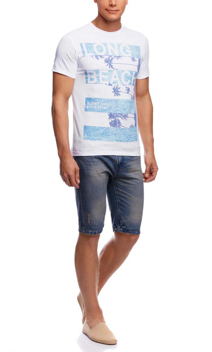 Футболка5L611289M/39485N/1070PМужская футболка oodji изготовлена из натурального высококачественного хлопка. Выполнена с круглым воротом и классическими короткими рукавами. Оформлена принтом с изображением пальм и надписями на английском языке.