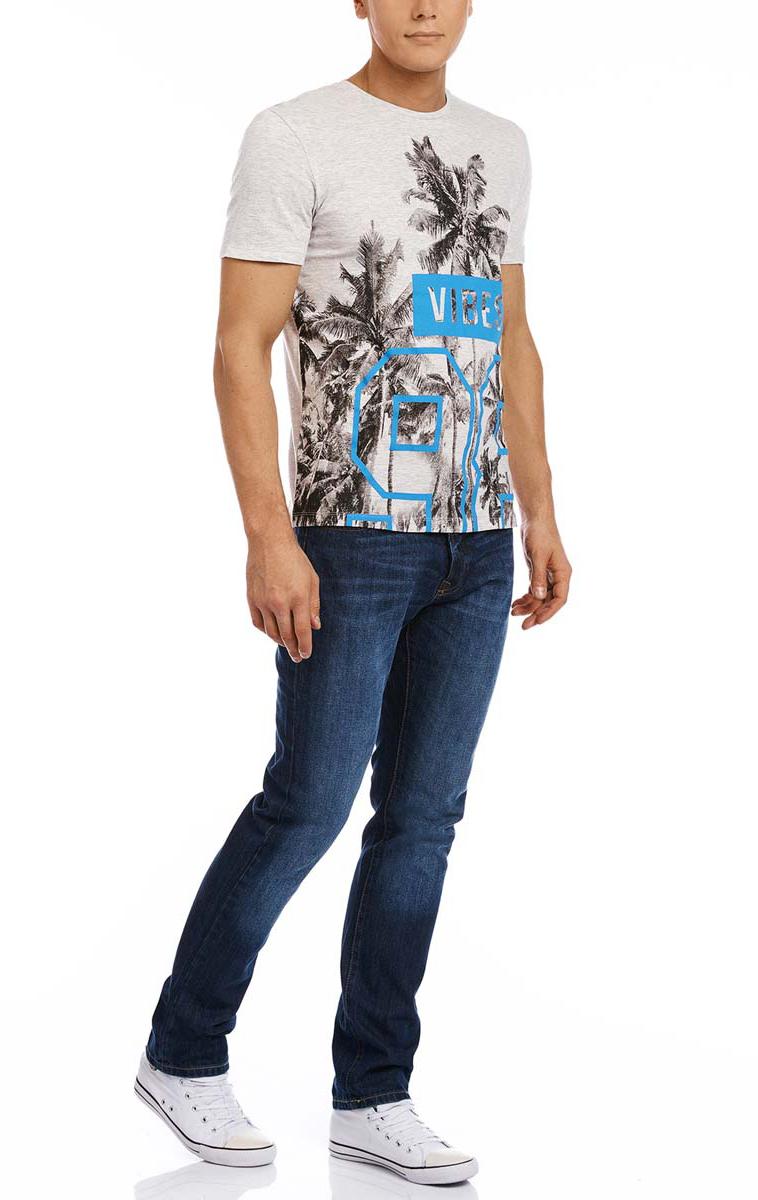 Футболка5L611266M/39272N/2075PМужская футболка oodji изготовлена из натурального высококачественного хлопка с добавлением вискозы. Выполнена с круглым воротом и классическими короткими рукавами. Оформлена оригинальным принтом.