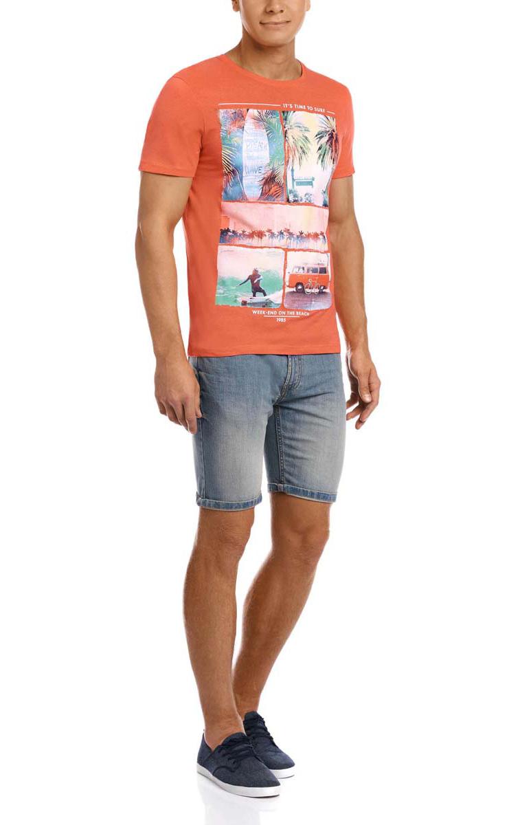 Футболка5L611259M/39485N/4341PМужская футболка oodji изготовлена из натурального высококачественного хлопка. Выполнена с круглым воротом и классическими короткими рукавами. Оформлена принтом с изображениями летнего пляжа.