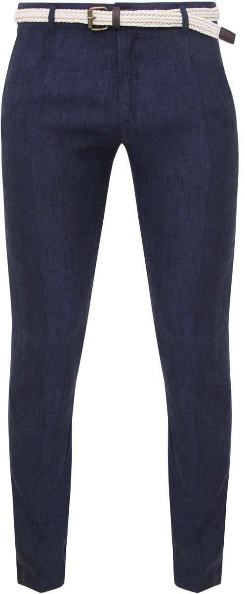 Брюки2L100059M/34297N/7900OСтильные мужские брюки oodji Lab выполнены из натурального льна. Модель-слим стандартной посадки застегивается на пуговицу в поясе и ширинку на застежке-молнии, с внутренней стороны - на пуговицу. Пояс имеет шлевки для ремня. Спереди брюки дополнены двумя втачными карманами и одним маленьким прорезным кармашком, сзади - двумя прорезными карманами. В комплект входит текстильный ремень с металлической пряжкой.