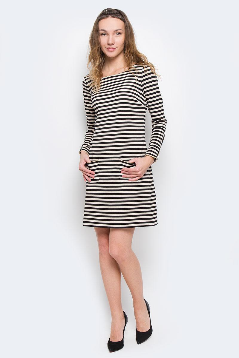 ПлатьеWFKD32253/150Оригинальное платье Juicy Couture изготовлено из высококачественного материала. Такое платье обеспечит вам комфорт и удобство при носке. Модель с длинными рукавами и круглым вырезом горловины выгодно подчеркнет все достоинства вашей фигуры благодаря приталенному силуэту. Спереди платье дополнено двумя карманами. Рукава дополнены манжетами на пуговицах. Изысканное платье-миди, оформленное стильным принтом в полоску с люрексом, создаст обворожительный неповторимый образ. Это модное и удобное платье станет превосходным дополнением к вашему гардеробу, оно подарит вам удобство и поможет вам подчеркнуть свой вкус и неповторимый стиль.