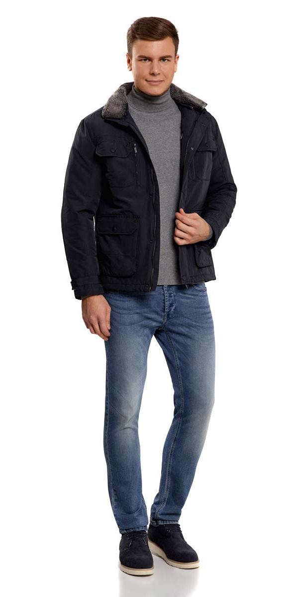 Куртка1L411003M/34716N/7900NМужская куртка oodji изготовлена из хлопка с добавлением полиэстера. В качестве подкладки и утеплителя используется полиэстер. Модель застёгивается на застежку-молнию и кнопки. Воротник дополнен карманом, в котором спрятан тонкий капюшон с резинкой-утяжкой и фиксаторами. У изделия имеется отстегивающийся второй воротник с искусственным мехом. Спереди расположены четыре кармана под клапанами на кнопках, два врезных кармана на молниях и два врезных открытых кармана. С внутренней стороны - прорезной карман на застежке-молнии. Ширина манжет регулируется хлястиком на кнопках.