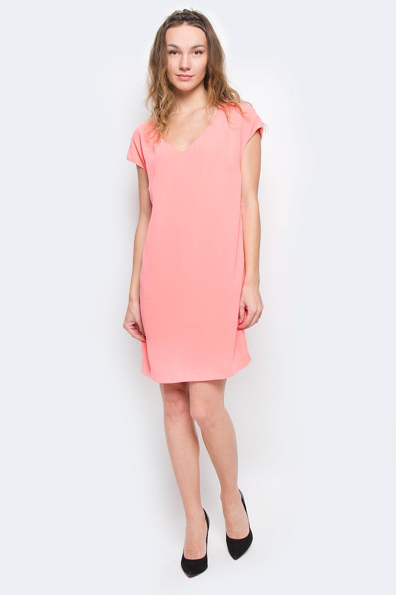 SSU1264ROСтильное платье Top Secret изготовлено из высококачественного полиэстера с подкладкой. Модель свободного кроя с короткими рукавами-кимоно и V-образны вырезом горловины. Лаконичный дизайн и комфортный крой придутся по вкусу современной девушке, предпочитающей удобство и практичность. Такая модель послужит отличным дополнением к вашему гардеробу.
