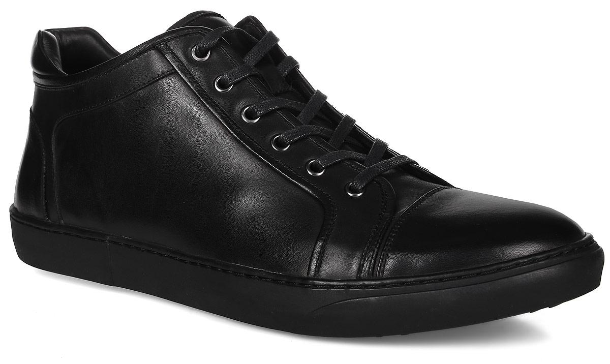 91-201-01-5Мужские ботинки от Paolo Conte выполнены из натуральной кожи. Модель на застежке-молнии, подъем дополнен шнуровкой. Подкладка и стелька изготовлены из байки. Резиновая подошва оснащена рифлением.