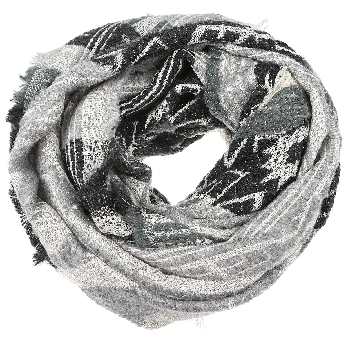 ПалантинIS-21601-4Элегантный палантин Paccia изготовлен из сочетания высококачественной шерсти и хлопка. Мягкая и теплая модель оформлена вязкой с узорами и дополнена тонкой бахромой по краю. Палантин красиво драпируется, он превосходно дополнит любой наряд и подчеркнет ваш изысканный вкус.