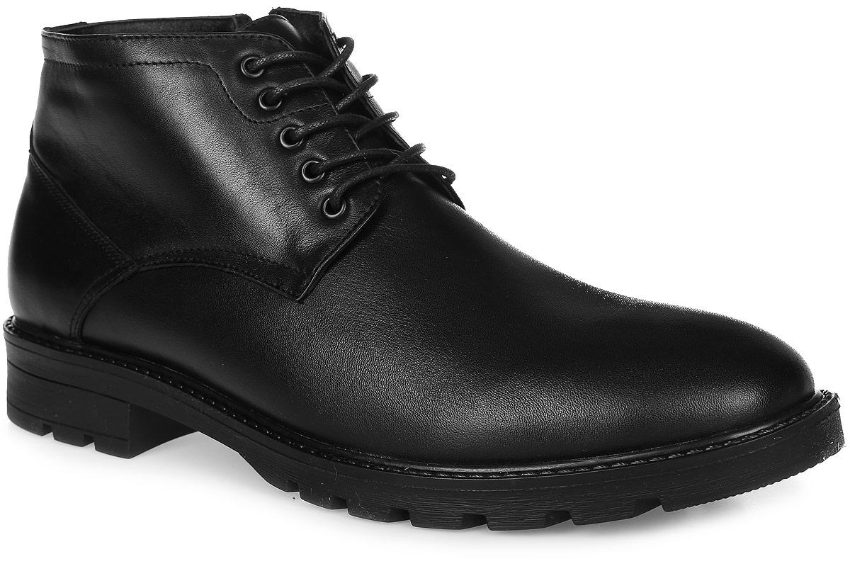 99-200-11-7Мужские ботинки от Paolo Conte выполнены из натуральной кожи. Подъем модели оформлен шнуровкой и дополнен сбоку застежкой-молнией. Подкладка и стелька изготовлены из натурального меха. Резиновая подошва оснащена рифлением.