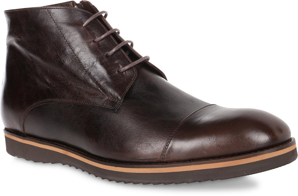 92-229-02-5Мужские ботинки от Paolo Conte выполнены из натуральной кожи. Подъем модели оформлен шнуровкой, боковая сторона дополнена застежкой-молнией. Подкладка изготовлена из байки, стелька - из натуральной кожи. Подошва из полимерного термопластичного материала оснащена рифлением.