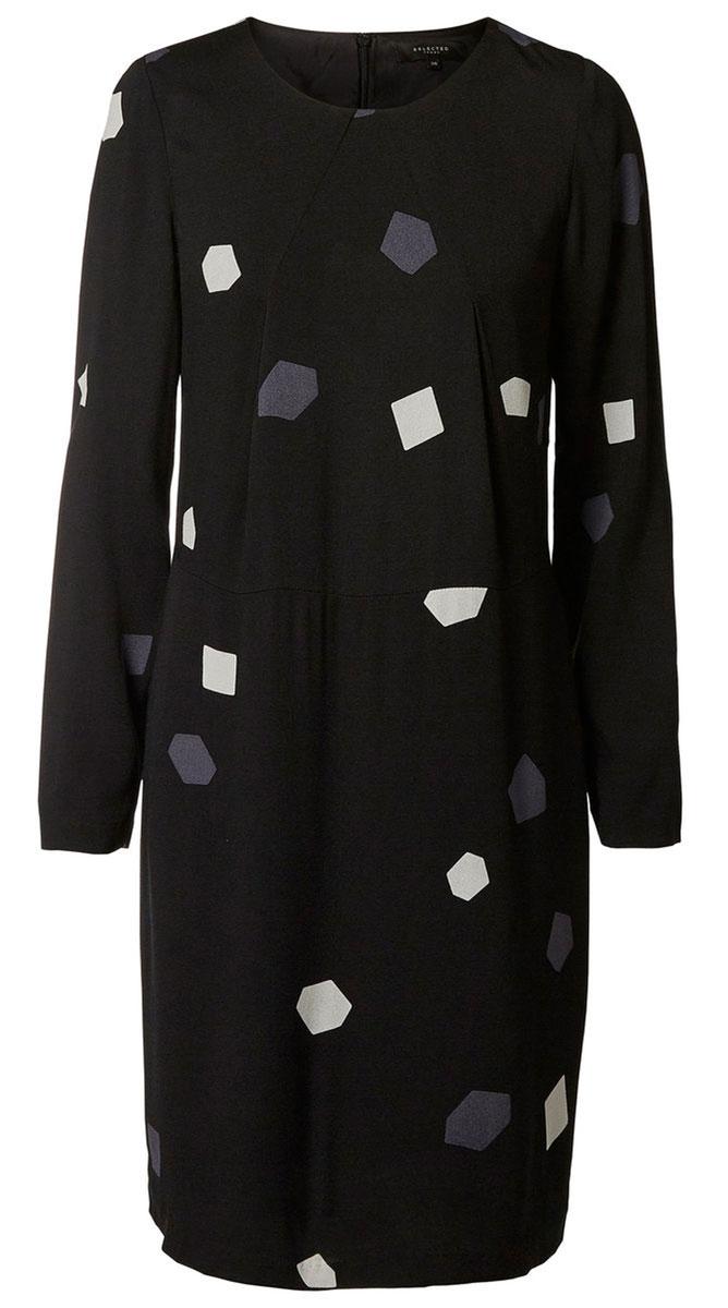 16052939_BlackаМодное платье Selected Femme изготовлено из вискозы и оформлено оригинальным принтом. Модель-миди с круглым вырезом горловины и длинными рукавами застегивается на застежку-молнию, расположенную на спинке.