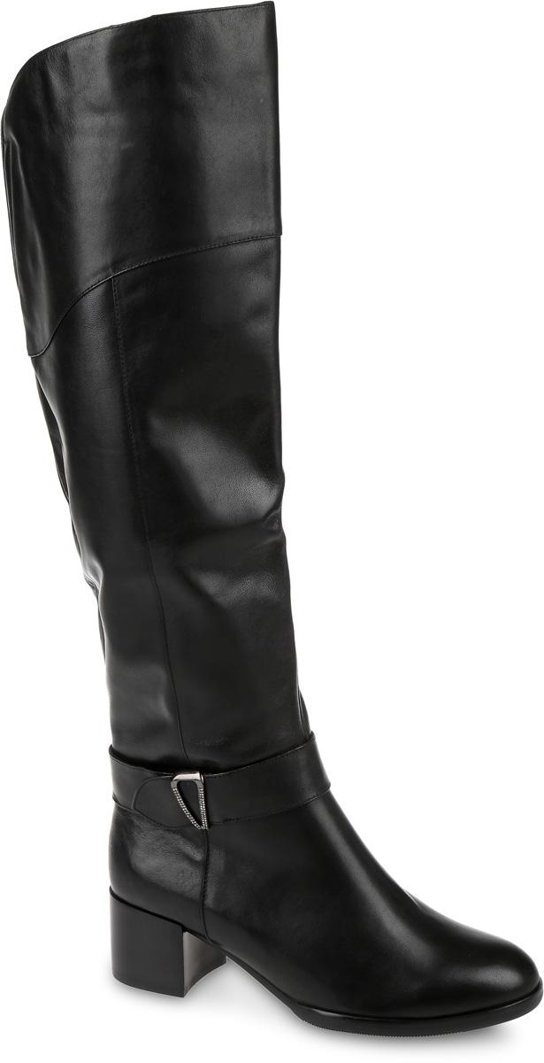 T393L-C21018-3Сапоги выполнены из натуральной кожи. Подкладка и стелька, изготовленные из мягкой байки, защитят ноги от холода и обеспечат комфорт. Сапоги застегиваются на застежку-молнию, расположенную на одной из боковых сторон. Подошва выполнена из термопластичного материала. Модель оснащена устойчивым каблуком.