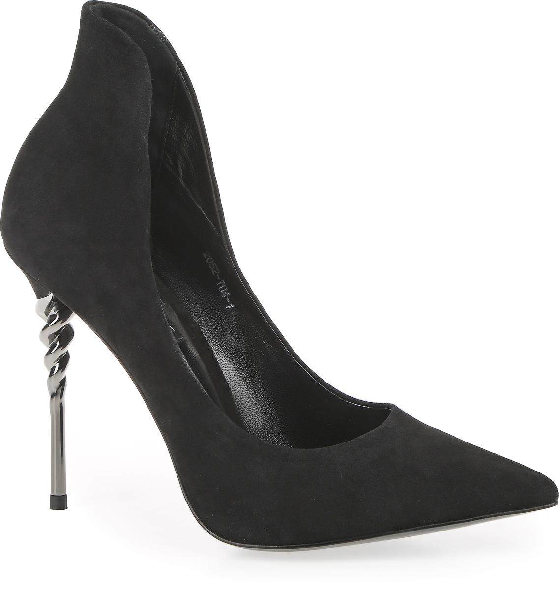2052-T04-1Женские туфли с вытянутым носком от Graciana выполнены из натуральной замши. Подкладка и стелька изготовлены из натуральной кожи. Металлический каблук-шпилька оформлен в виде спирали. Тунитовая подошва оснащена мелким рифлением.