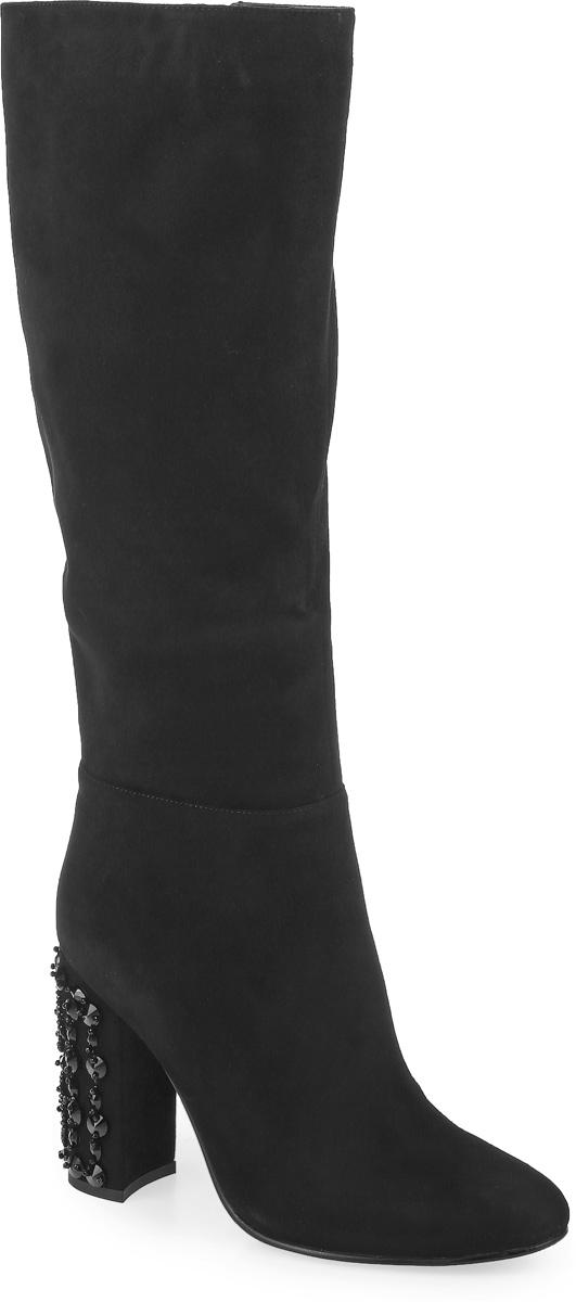 A1686-T1520-1BМодные женские сапоги от Graciana выполнены из натуральной замши. Подкладка и стелька из байки комфортны при движении. Застегивается модель на боковую застежку-молнию. Эластичные вставки на голенище обеспечивают идеальную посадку модели на ноге. Высокий каблук, оформленный бусинами, невероятно устойчив. Подошва и каблук дополнены рифлением.