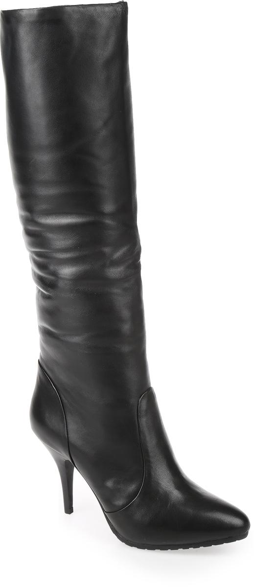 C55-61-1MBМодные женские сапоги от Graciana выполнены из натуральной кожи. Подкладка и стелька из натурального меха не дадут ногам замерзнуть. Высокий каблук невероятно устойчив. Подошва и каблук дополнены рифлением.
