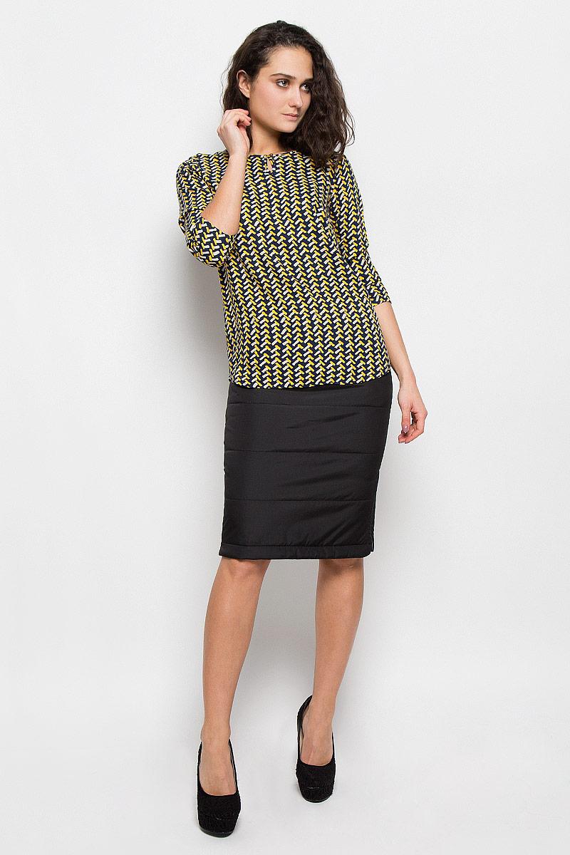 W15-12028Стильная женская блуза Finn Flare, выполненная из 100% вискозы, подчеркнет ваш уникальный стиль и поможет создать оригинальный женственный образ. Блузка с рукавами 3/4 и круглым вырезом горловины застегивается на пуговицу спереди. Модель оформлена оригинальным контрастным принтом. Легкая блуза идеально подойдет для жарких летних дней. Такая блузка будет дарить вам комфорт в течение всего дня и послужит замечательным дополнением к вашему гардеробу.