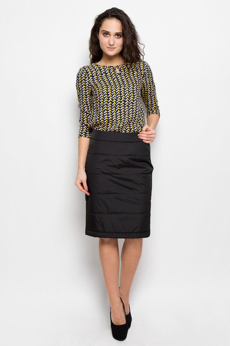 ЮбкаW16-12015_200Утепленная женская юбка Finn Flare выполнена из 100% полиэстера. В качестве утеплителя используется полиэстер. Модель сбоку застегивается на скрытую застежку-молнию. По бокам изделие дополнено застежками-молниями. На поясе юбка оформлена небольшой металлической пластиной с названием бренда.