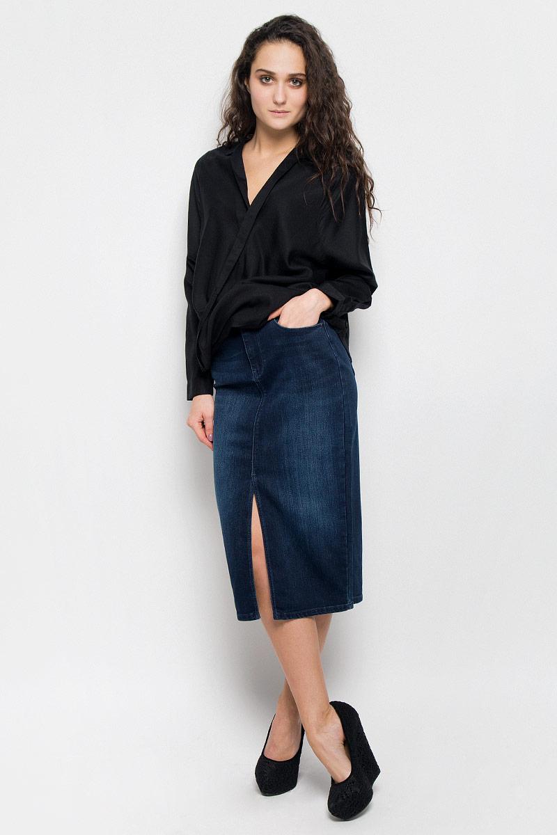 БлузкаW5180BD01Женская блуза Wrangler, выполненная из высококачественного материала, подчеркнет ваш уникальный стиль и поможет создать оригинальный женственный образ. Блузка с отложным воротником и длинными рукавами. Манжеты рукавов застегиваются на пуговицы.