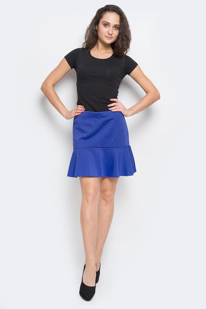 ЮбкаSKk-118/758-5322DОригинальная юбка Sela выполнена из плотного трикотажа с добавлением эластана, она невероятно мягкая и приятная на ощупь. Очаровательная юбка застегивается на застежку-молнию, расположенную в заднем шве. Юбка имеет ассиметричный подол с контрастной изнанкой, она выгодно подчеркнет ваш силуэт и поможет создать яркий образ. Стильная юбка выгодно освежит и разнообразит любой гардероб. Создайте женственный образ и подчеркните свою индивидуальность!