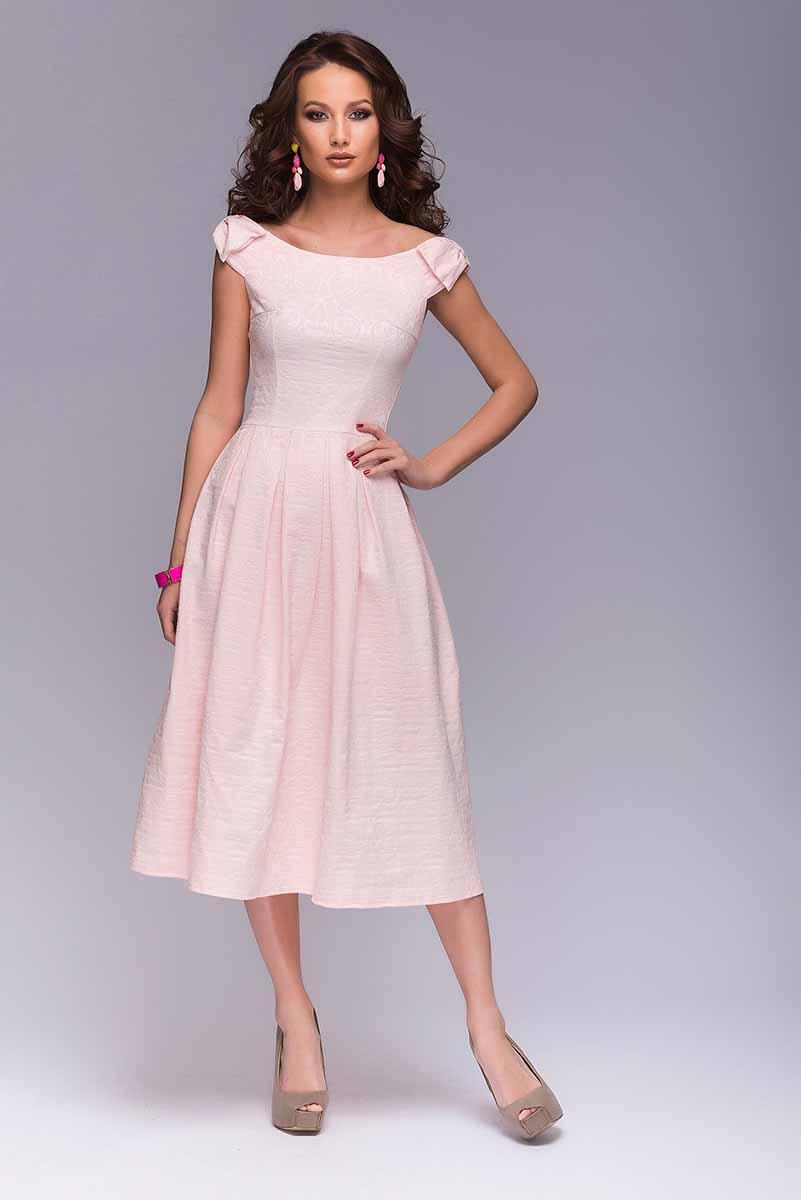 DM00387Платье 1001 Dress с бантиками на плечах. Платье выполнено из хлопкового жаккарда. Жаккард очень нежного цвета, приятный на ощупь, с красивым фактурным рисунком. Открытая линия плеч. Юбка женственной длины миди с бантовыми складками.