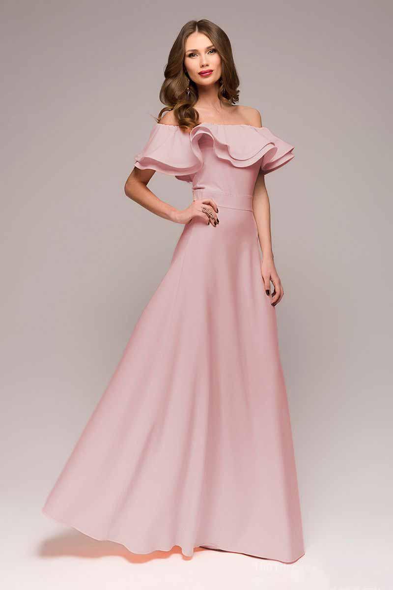 DM00546Шикарное платье 1001 Dress для шикарных женщин. Нежный цвет, длинная летящая юбка, воланы на плечах и втачной пояс, подчеркивающий талию, создают невероятно хрупкий и женственный образ. Идеальный выбор для торжественного дня.