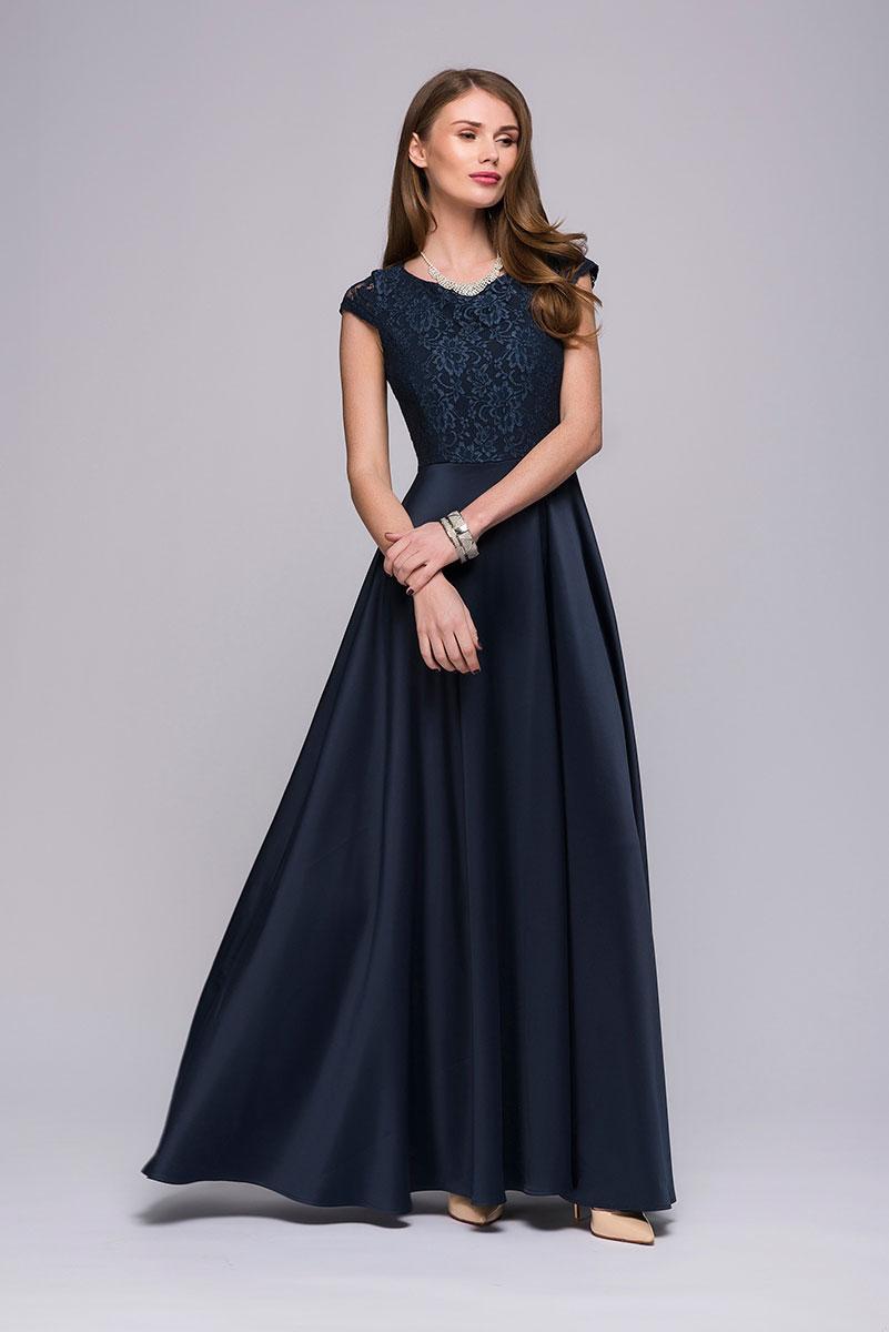 ПлатьеDM00535Приталенный силуэт, расклешенная юбка, красивая отделка из гипюра. Интересная деталь - высокий разрез на юбке. Потрясающее платье от 1001 Dress для важного события, где нужно выглядеть непревзойденно.